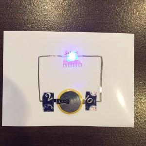 AgIC LED&電池セット 点灯している様子