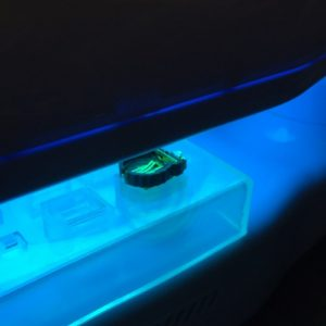 テクノパーツ使用方法_UV照射でレジンを固める