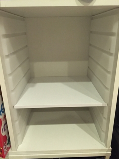 カラーボックスへの棚板追加_棚板を追加したところ