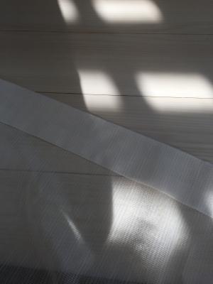 カーテンの縫い目をほどいて、アイロンをかけたところ